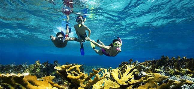 snorkeling-in-maldives